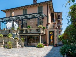 VILLA MERY Guest House