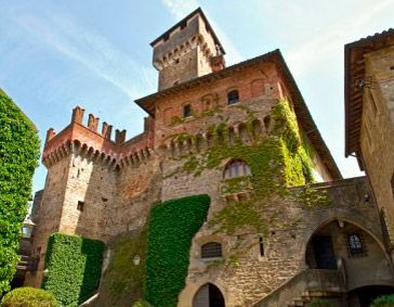 Multiform cultural expressions among museums, art and castles
