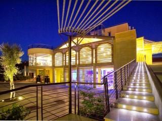 Cantine Ascheri Design Hotel