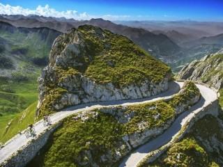 La Via del Sale Limone-Monesi: la più bella strada bianca d\'Europa dalle Alpi al mare.